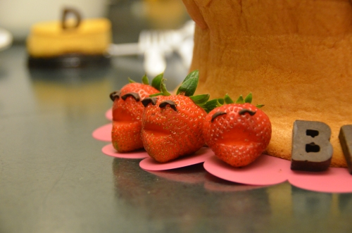 His favorite fruit : strawberries. Hope he will be smiling everyday like these strawberries!!